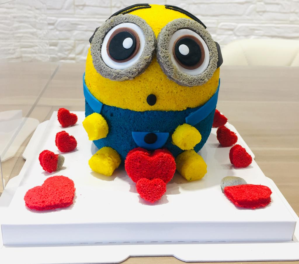 minion cartoon chiffon cake